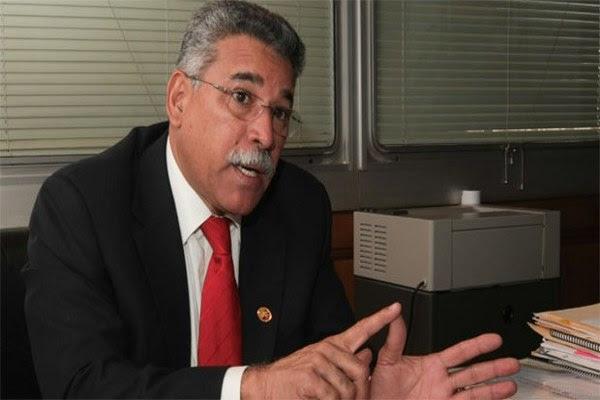 El presidente del Parlatino, Ángel Rodríguez