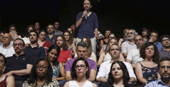 """El líder de Podemos, Pablo Iglesias, durante la presentación de la candidatura """"Equipo Pablo Iglesias"""".- J.J. Guillén (EFE)"""
