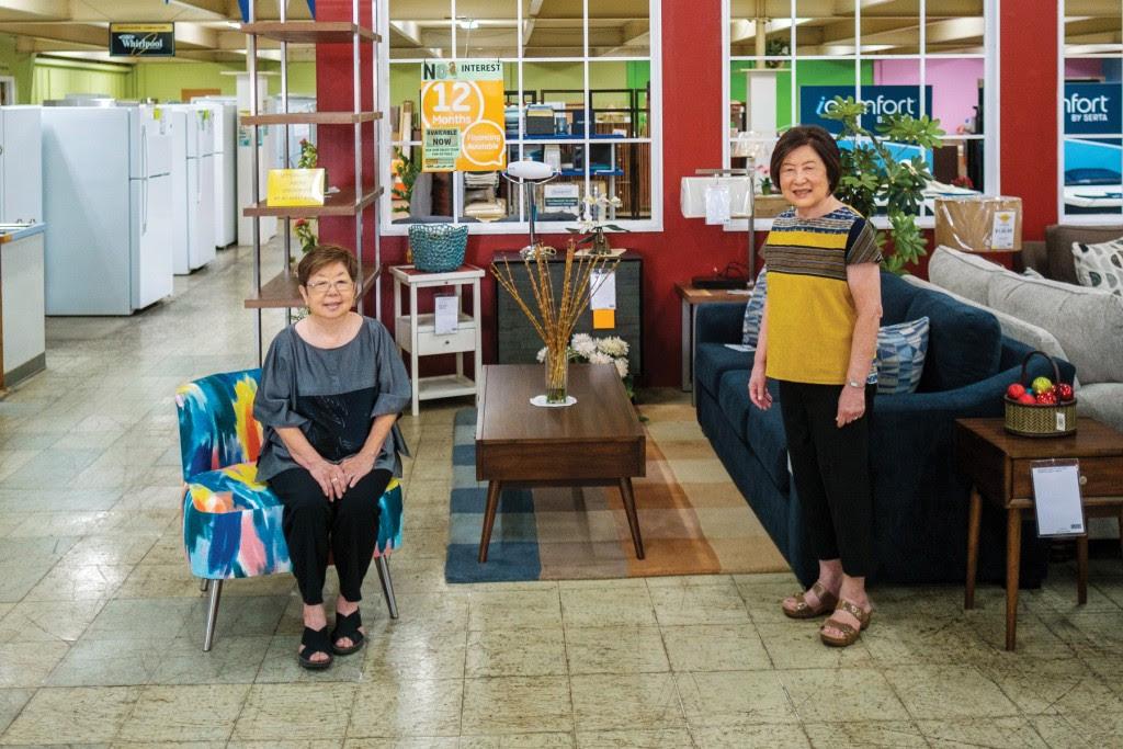 Left to right: Eunice Soeda and Marjory Funasaki. | Photo: Aaron Yoshino