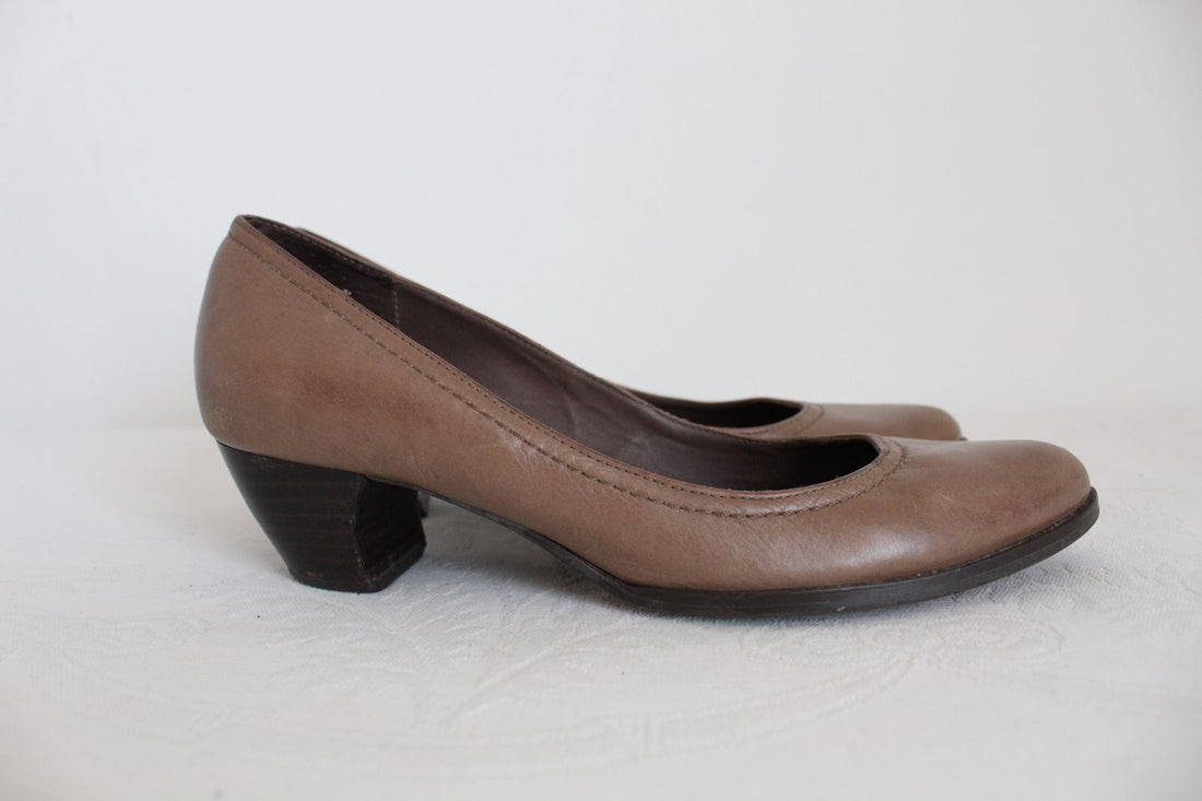 SAN MARINA GENUINE LEATHER HEELS - SIZE 4