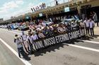 Homenagem ao piloto Vinicius Margiota durante a realização da segunda etapa (Luciano Santos/SiGCom)