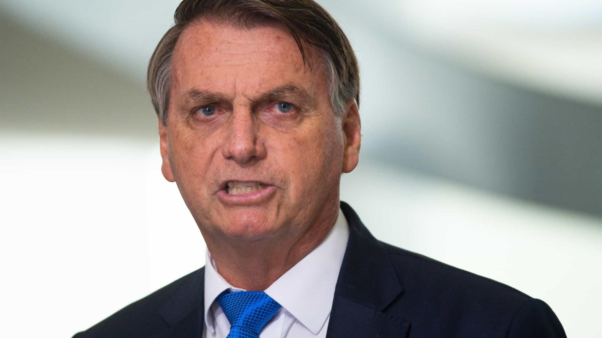 Bolsonaro: Brasil é única 'republiqueta do mundo' que aceita voto eletrônico