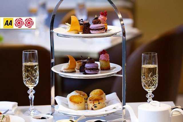Afternoon Tea For 2 & Champagne @ 5* Royal Lancaster, Hyde Park