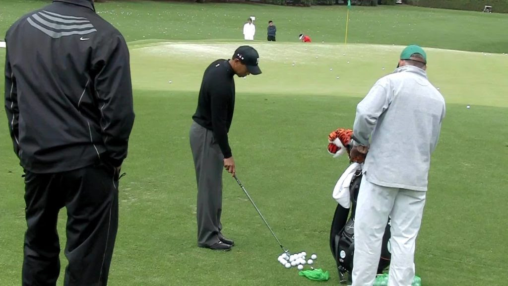 tiger woods chipping yips