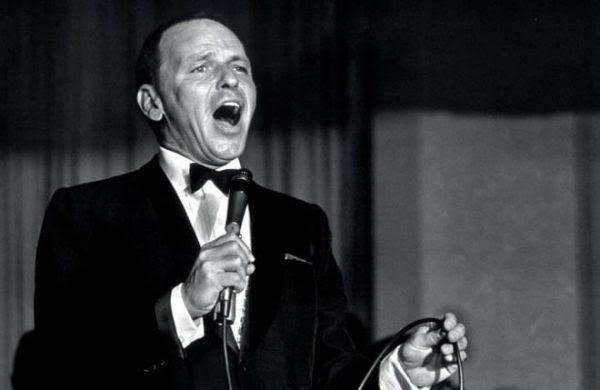 20 años de la muerte de Frank Sinatra, La Voz