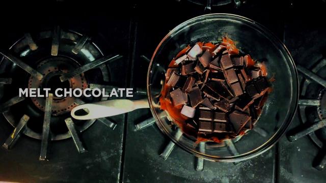 How to Make Chocolate Covered Bananas