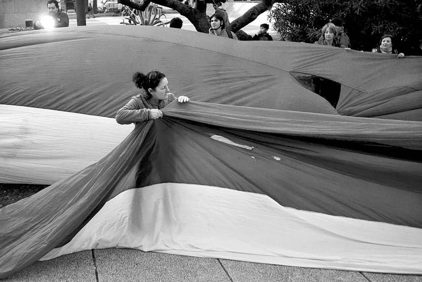 Movilización de las Redes Frenteamplistas, ayer, frente a la Torre Ejecutiva. Foto: Pablo Vignali