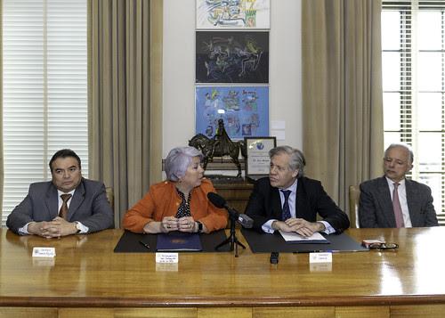OEA y Paraguay firman acuerdo para observar las elecciones generales y regionales del 22 de abril