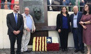 El conseller Alfred Bosch i l'alcaldessa Ada Colau en l'homenatge a Allende que s'ha fet a Barcelona. @exteriorscat