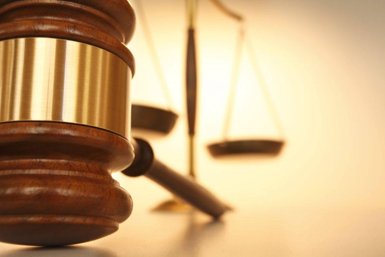justicia-posible-uribe-hernando-gomez-buendia-1170x780