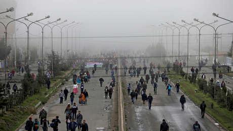 Indígenas bolivianos bloquean carreteras para exigir la renuncia de Áñez