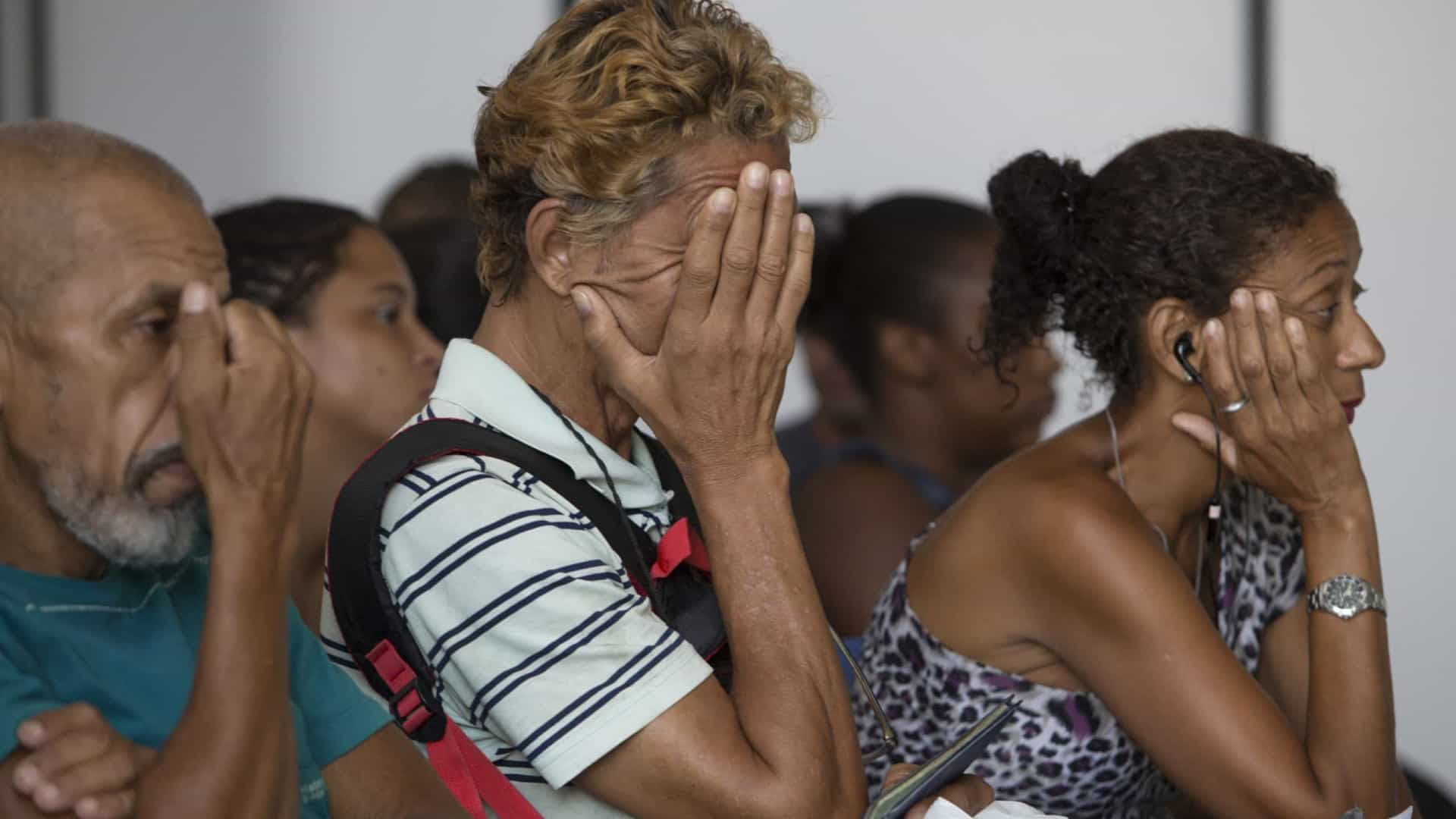 Taxa de desemprego fica em 14,1% no trimestre até junho, afirma IBGE