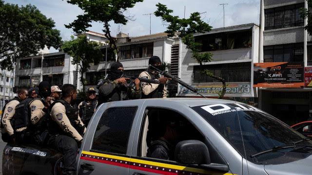 Confronto em Caracas expõe racha entre ditadura e dissidentes dos 'coletivos'