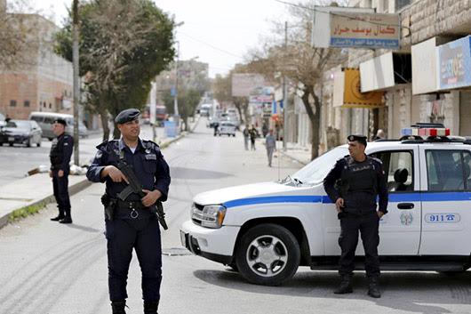 בילד: ירדן ברעכט אויף  אייסיס טעראר צעל
