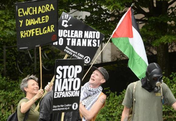 Protestas contra la cumbre de la OTAN en Gales 1