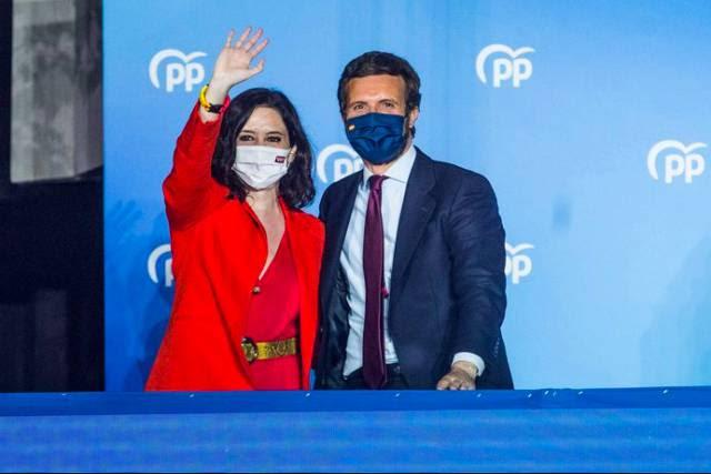 A conservadora Isabel Díaz Ayuso arrasa nas eleições de Madri