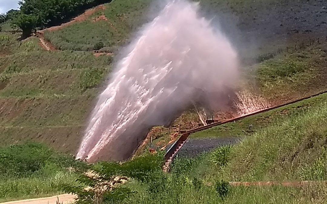 Maior mineroduto do mundo rompe e causa estragos em Minas Gerais