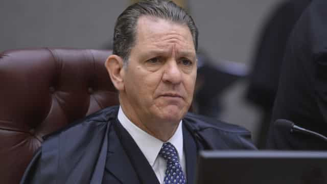 Noronha manda soltar diretor de vara federal