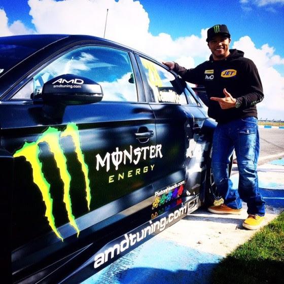 Nicolas Hamilton posa com Audi S3 que guiará no Campeonato Inglês de Turismo 2015