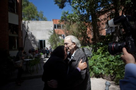 Juan Gelman en una imagen de octubre de 2012. Foto: Miguel Dimayuga