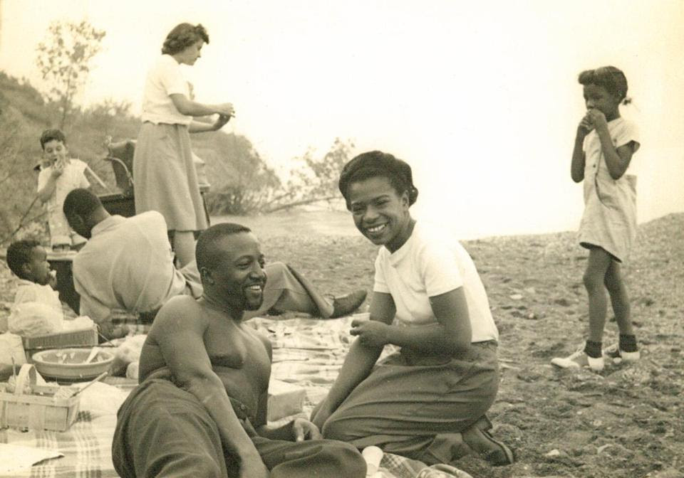 Ms. Nelosn and her partner, Wally, were both war opponents. They picnicked in 1946.