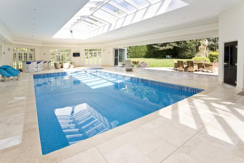 Broomfield House pool