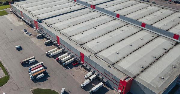 Logistique: le plan du Gouvernement pour multiplier les entrepôts et décarboner le transport