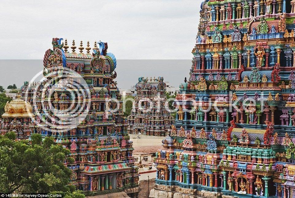 Đền Meenaskshi nằm ở bang Tamil Nadu, miền nam Ấn Độ, nổi bật với những gam màu rực rỡ.
