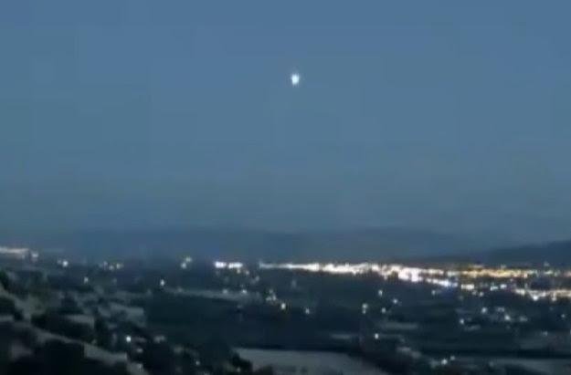 UFO News ~ 8/04/2015 ~ UFO Seen Over Lambourn and MORE Ufo-sighting-live-cam-captures-huge-glowing-object-over-california-you-tube-screenshot-orlando