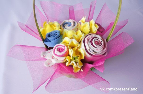 How to DIY  Baby Clothes Flower Bouquet 9