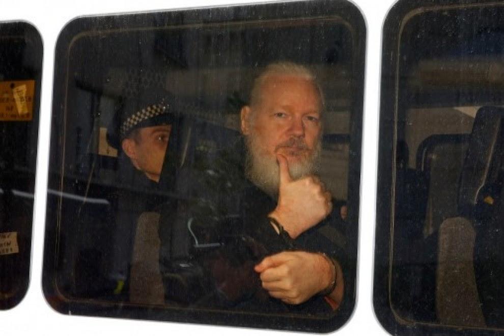 Dominio Público - La extradición de Assange: tiro de gracia al periodismo
