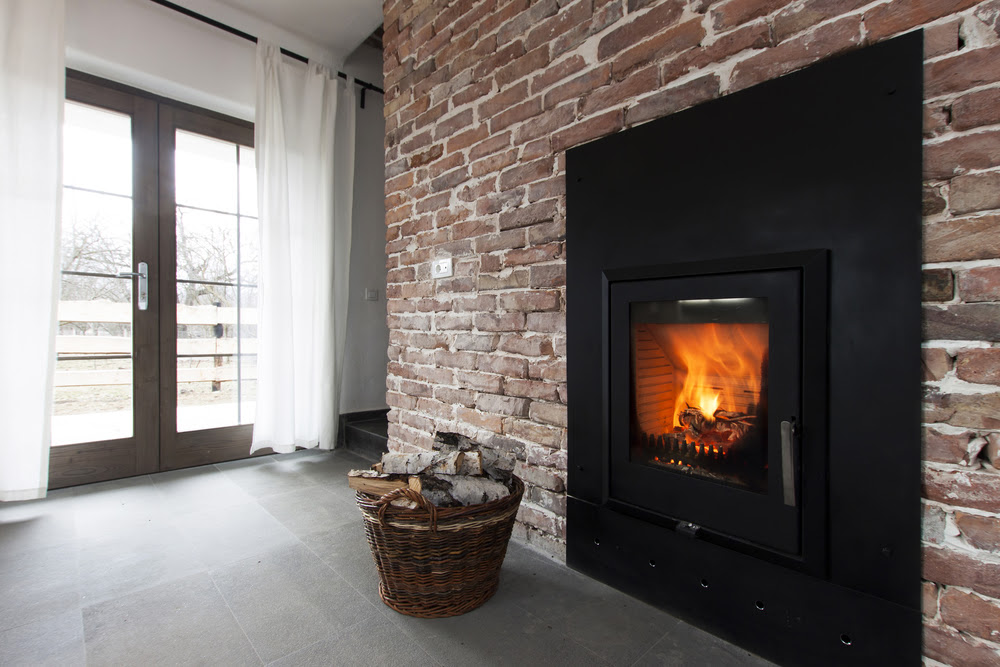 Vented vs ventless a gas fireplace log buying guide for Ventless fireplace modern