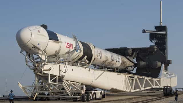 Adiado terceiro voo tripulado da SpaceX para estação internacional