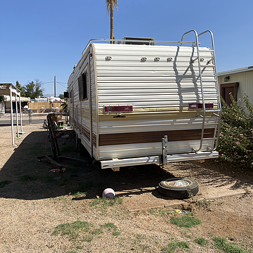 5th Wheel RV Included in Sales Price