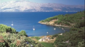 Izlet brodom iz Splita u Uvala Lovrečina, otok Brač