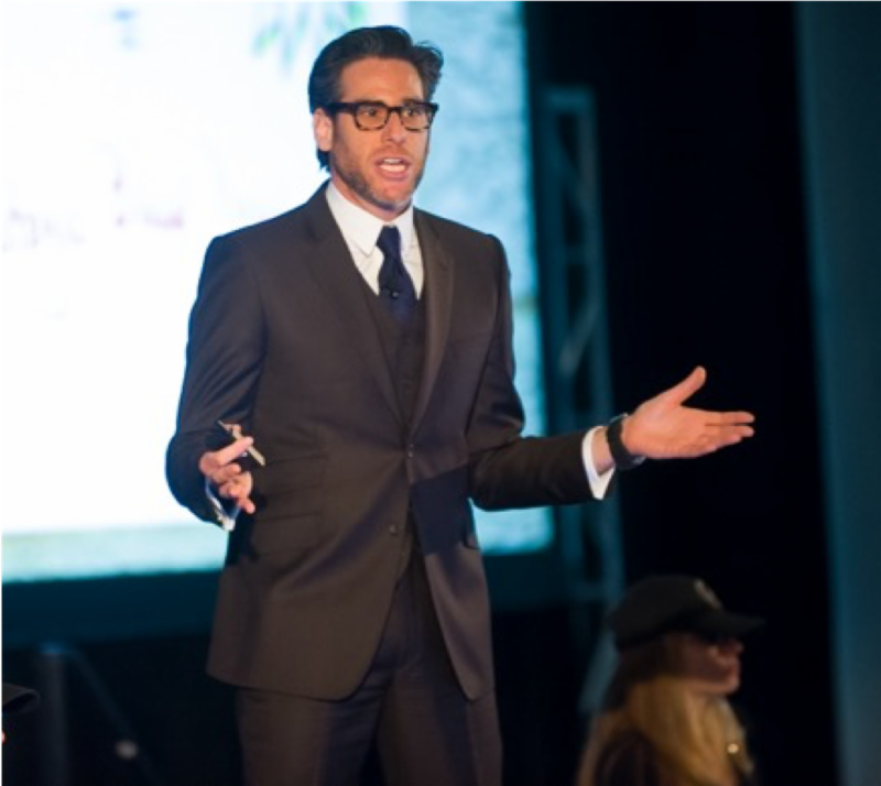Sasha Strauss, 2018 Customer Service Revolution Conference Keynote Speaker