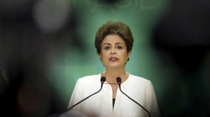 El Parlamento brasileño abre el proceso de destitución de Rousseff.