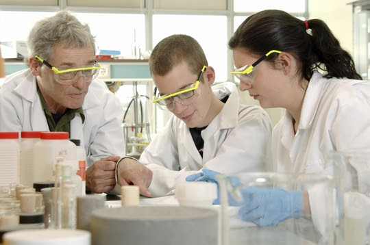 ScientistandStudent