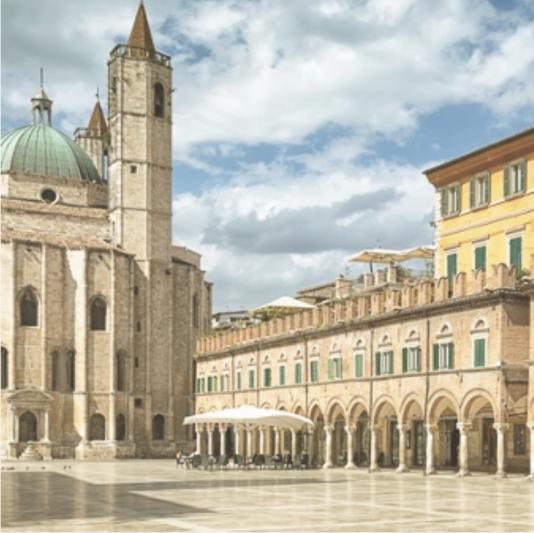 Piazza Italia Market