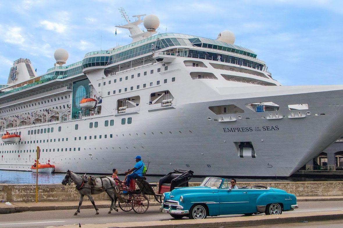 Royal-Caribbean-Empress-of-the-Seas-e1506719709313
