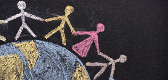 chalk-ppl-around-world-702x336.jpg