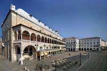 Palazzo della Ragione, esterno