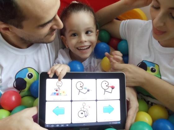 Livox, que já atende a 10 mil usuários, foi desenvolvido por um pai que queria se comunicar com a filha que não fala em decorrência de paralisia cerebral