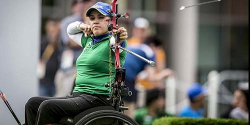 Acervo de fotos traz à tona a capacidade do cérebro de incorporar artefatos ao corpo humano, estimulando a inclusão de pessoas com deficiência no esporte