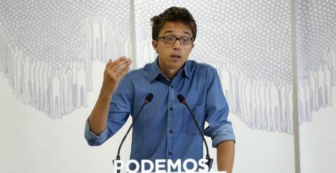 El secretario político de Podemos, Íñigo Errejón, durante la rueda de prensa que ha ofrecido hoy en la sede de su partido, en la calle de Princesa de Madrid. EFE/Juan Carlos Hidalgo
