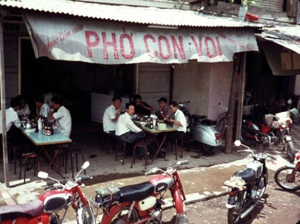 Quán nhậu được nhiều người biết đến Phở con Voi, 1970