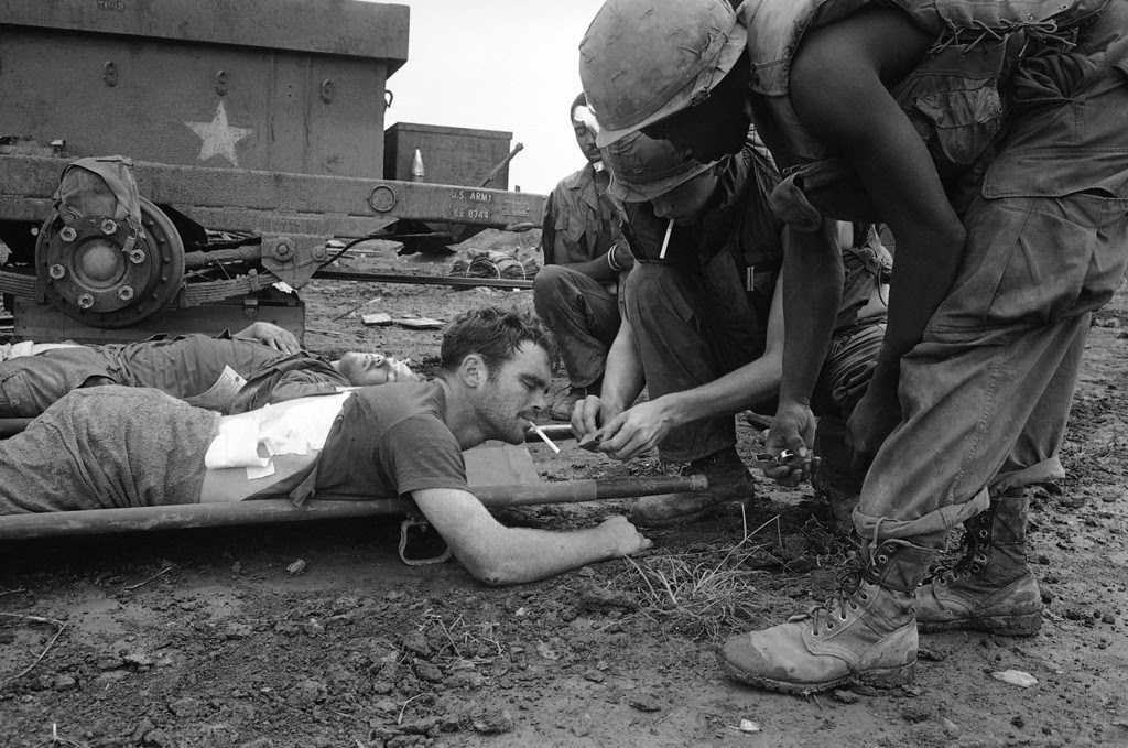 a look back at the vietnam war The fall of saigon, april 30, 1975, marked the end of the vietnam war and the capture of saigon by north vietnamese forces chaos ensued as the north vietnamese advanced southward leading to that momentous event 4o years ago.