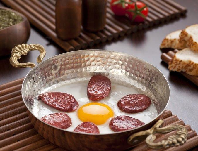 Start dagen med verdensomspennende, tradisjonell tyrkisk frokost