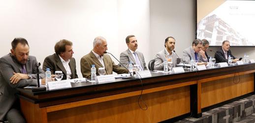 Deconcic debate contingenciamento de investimentos do governo