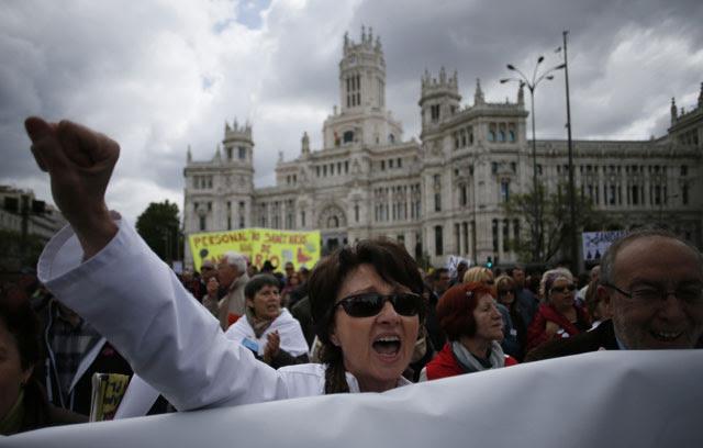 Manifestación, en Madrid, de una de las múltiples mareas blancas del pasado año.